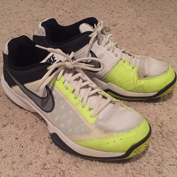 sale retailer 73784 25909 Nike Air Cage Court Tennis Shoes. M 5b496127951996df65a81fea
